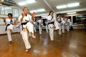 5328 300x200 - Карате для взрослых - это самосовершенствование, дисциплина и упорные тренировки.