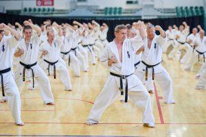 DSC 6351 300x200 - Корпоративные тренировки каратэ кекусинкай: сплочение, здоровье, эффективность